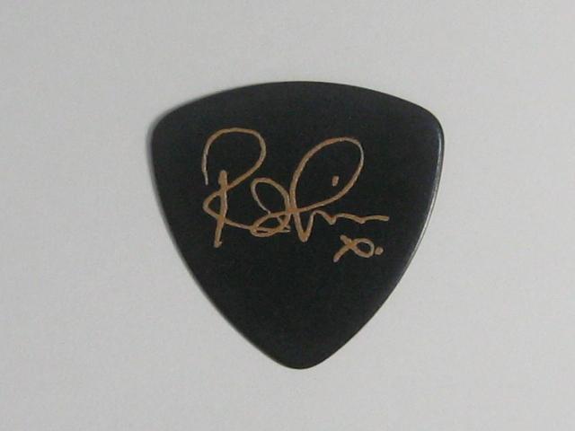 ★UB40 ロビン・キャンベル Robin Campbell 2015 Tour ギターピック