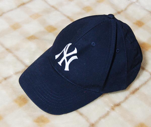 【未使用品】MLB★NYヤンキース 紺のキャップ Budweiser グッズの画像