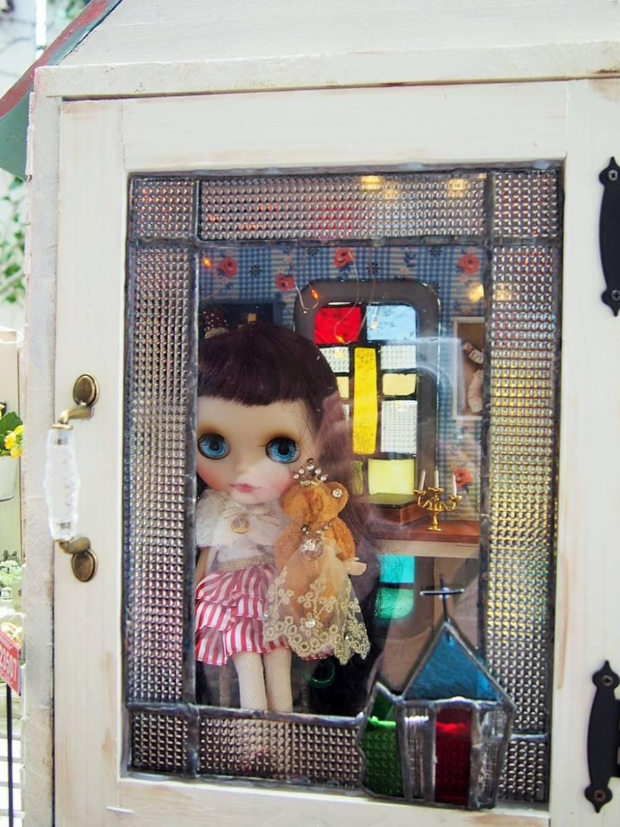 1/6サイズ・ミニガーデン付き教会風ドールBOX_画像10