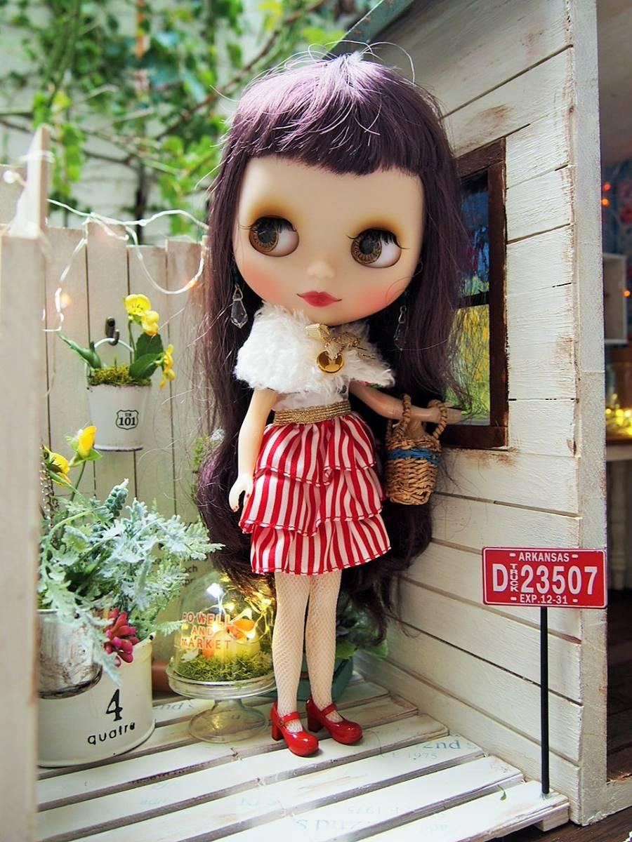 1/6サイズ・ミニガーデン付き教会風ドールBOX_画像6