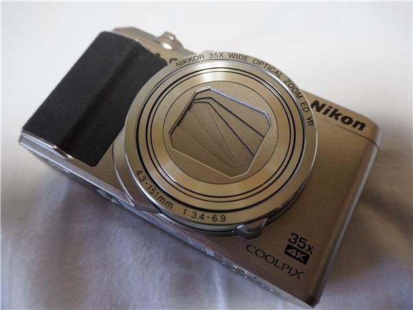 【新同品】Nikon ニコン COOLPIX A900 シルバー ケース付 8G SDカード付