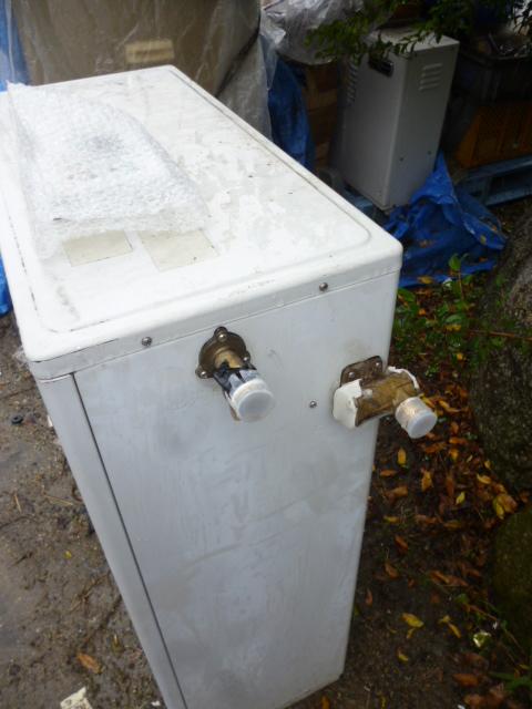 コロナ石油給湯器ボイラー 直圧 シャワー UIB-3320X 温水 減圧弁不要 ノーリツ OQB-3704Y同等_画像3