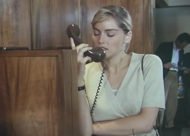 欲情の扉 (恋は運命とともに) TEARS IN THE RAIN (1988) シャロン・ストーン主演 戦火の密会、禁断の兄妹愛、出生の秘密/新品DVD_画像10