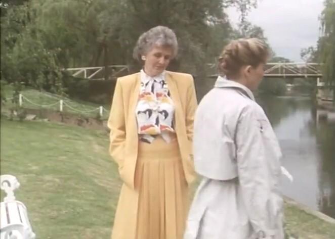 欲情の扉 (恋は運命とともに) TEARS IN THE RAIN (1988) シャロン・ストーン主演 戦火の密会、禁断の兄妹愛、出生の秘密/新品DVD_画像6