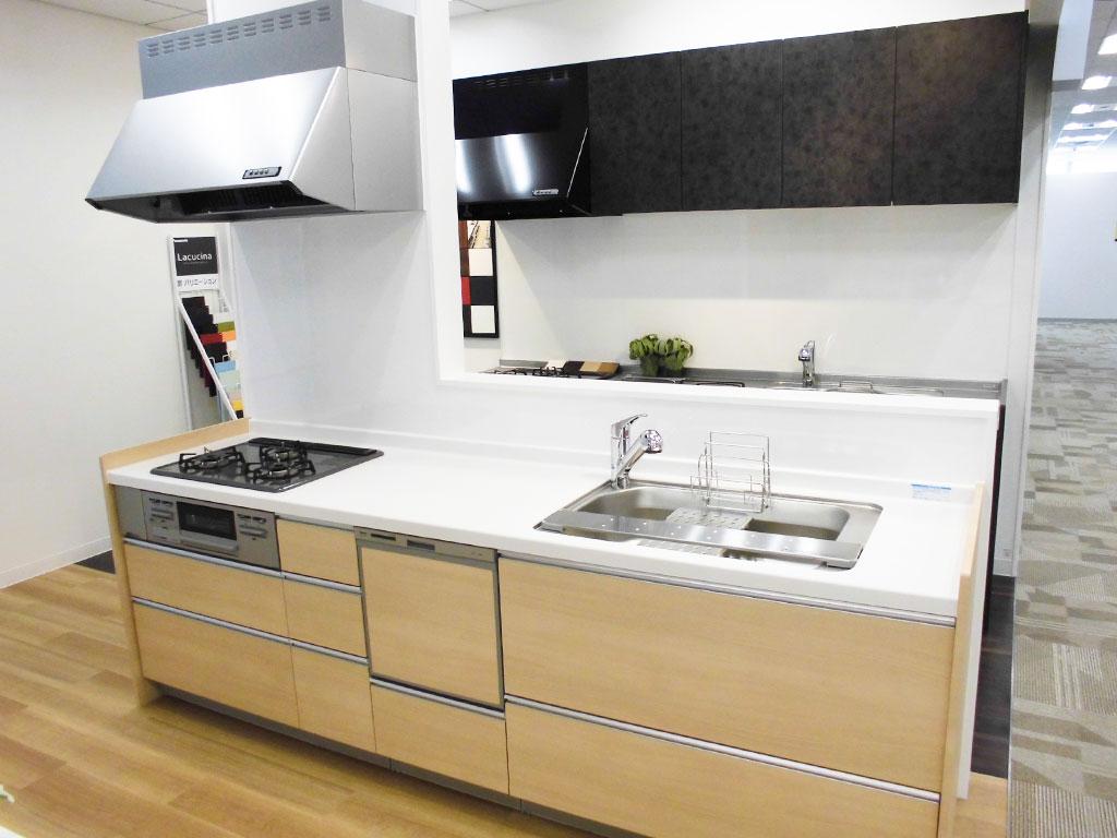 M6830【展示未使用品】エイダイ 高級システムキッチン/人造大理石/レンジフード/食器洗浄機/ビルトインコンロ/100万