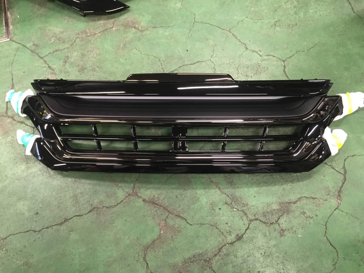 トヨタ  ヴェルファイア 30系現行型 ゴールデンアイズ       モデリスタフロントグリル  未使用新古品