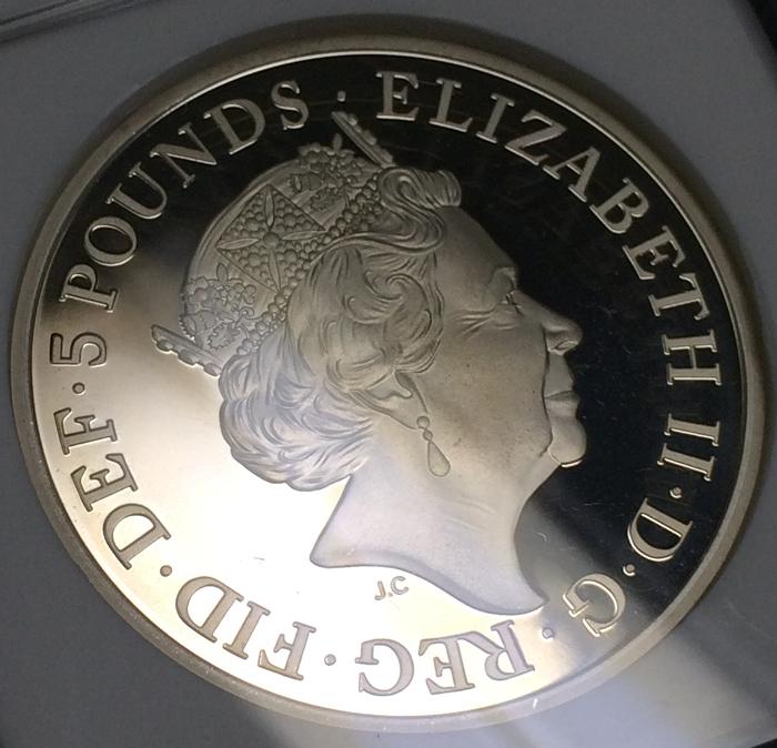 英国 イギリス エリザベス サファイアジュビリー 5ポンド銀貨 ピエフォー PIEFORT銀貨 2点セット NGC PF68 ULTRA CAMEO オリジナルケース_画像5