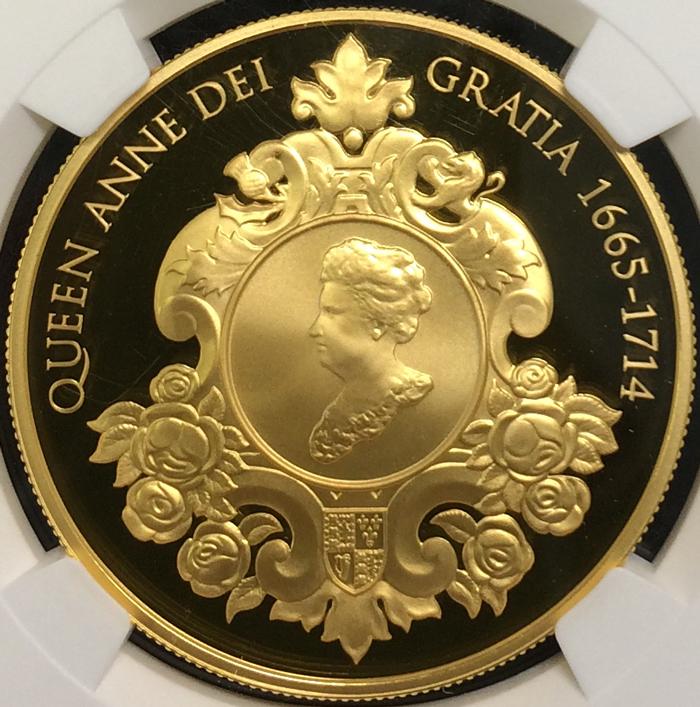 英国 イギリス エリザベス2世 アン女王没後300年記念 5ポンド銀貨 GILT 純金メッキ ゴールドギルト NGC PF70 ULTRA CAMEO プルーフ 2014年