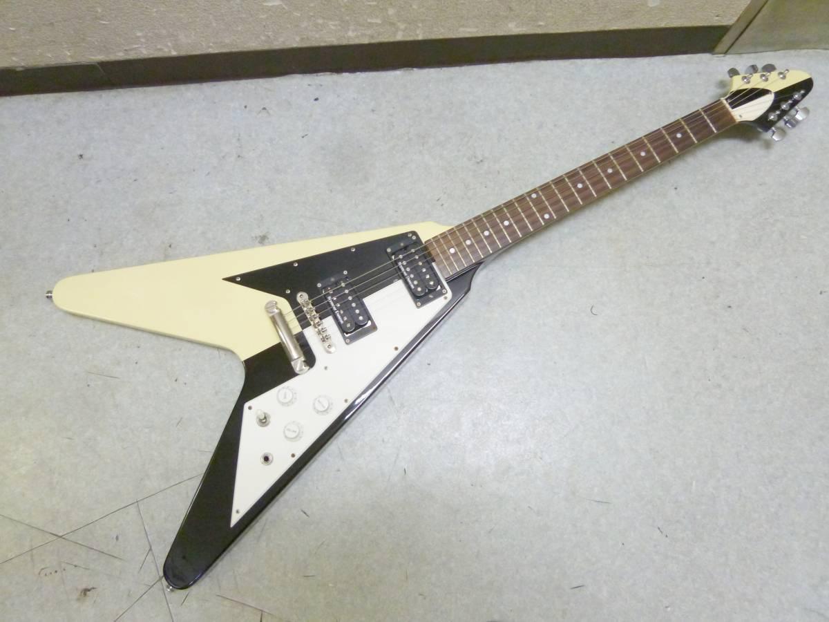 メーカー不明 フライングV タイプ エレキギター ケース付き(3733)