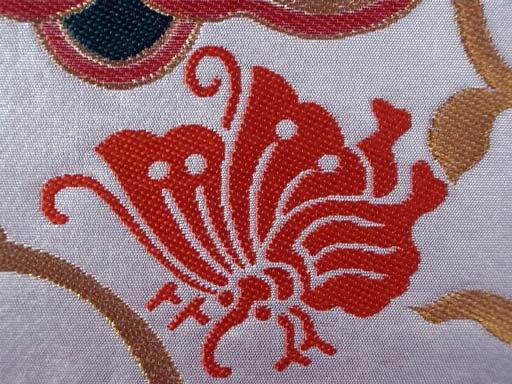 【新品】【仕立て代込み】 西陣袋帯 唐草大華文 シルバー 成人式振袖・訪問着などフォーマル着物用 入学式 卒業式 結婚式 パーティー 袋帯_家紋にも使われる揚羽蝶の柄