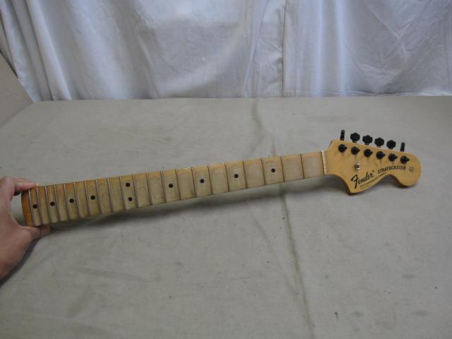 ■フェンダー ネック ヘッド Fender STRATOCASTER WITH SYNCHRONIZED TREMOLO ST-68 ストラトキャスター ギターパーツ■