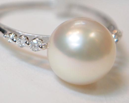 新品 プラチナ900製 アコヤ 本真珠 8.5mm珠 & 両サイド ダイヤ スリム デザイン リング/Pt/あこやパール/シンプル 細身 定番/冠婚葬祭_両サイドのダイヤも小粒ながら綺麗です。