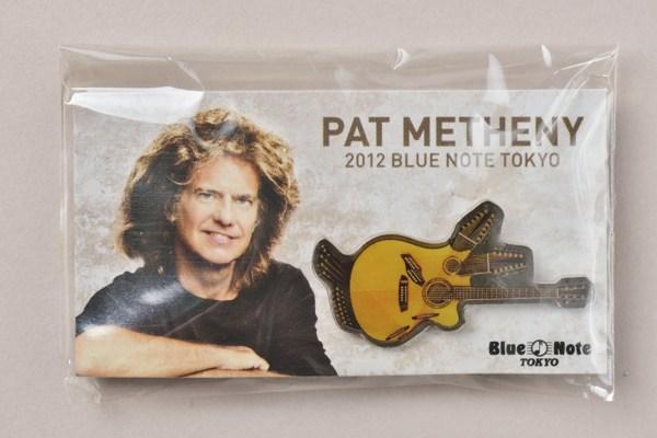 ★Pat Metheny★パット・メセニー ピカソギター ピンバッジ 2012 Blue Note TOKYO 未開封品 + ポストカード 非売品