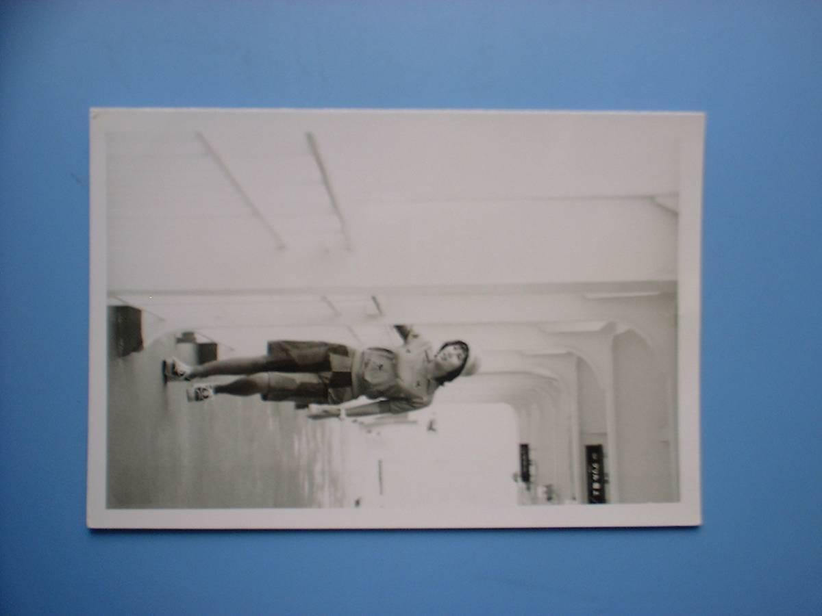 天地真理 白黒写真 1枚 1974.7.6  さんふらわあ号