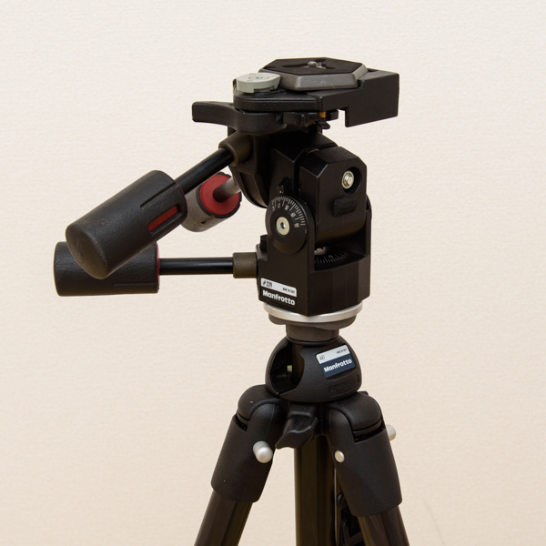 Manfrotto カーボン三段三脚 441 3Dプロ雲台 229 セット_画像4