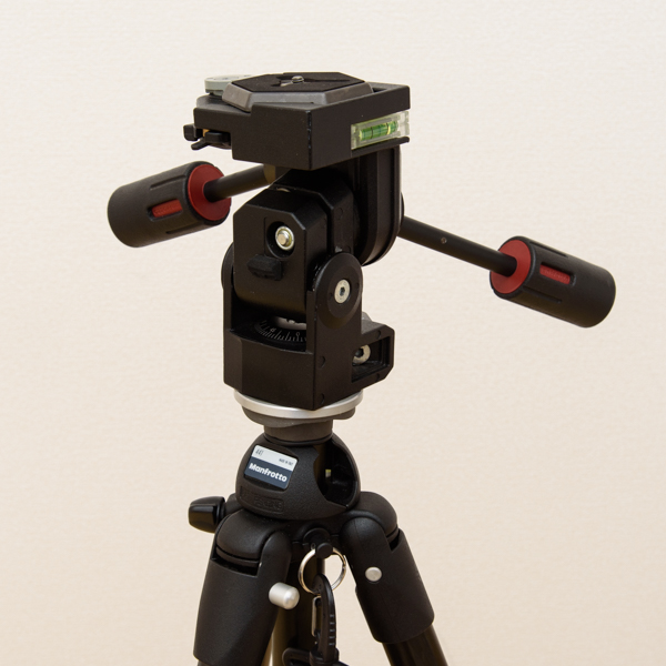 Manfrotto カーボン三段三脚 441 3Dプロ雲台 229 セット_画像3
