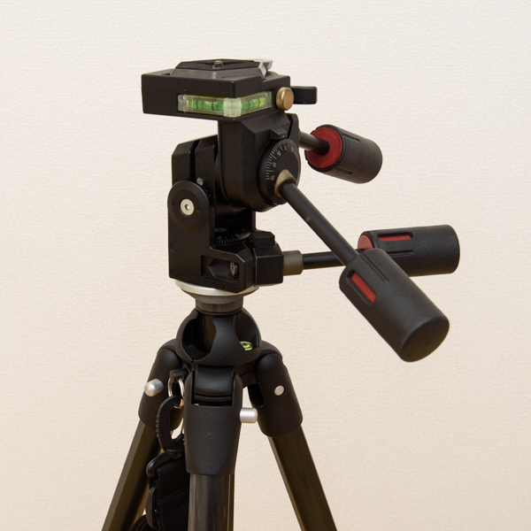 Manfrotto カーボン三段三脚 441 3Dプロ雲台 229 セット_画像6