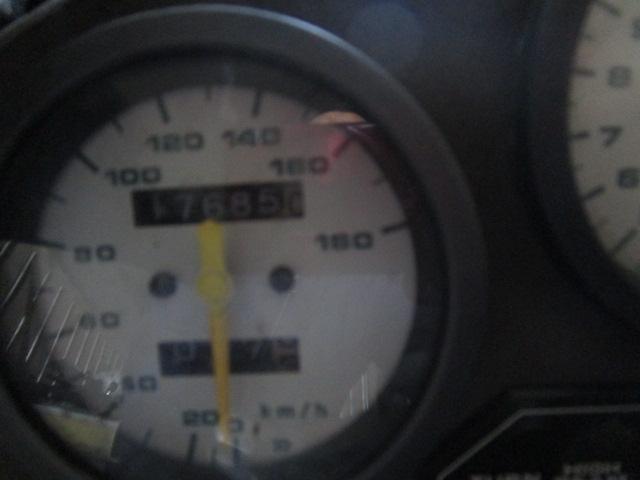 昭和61年 スズキ RG 400ガンマ 17000km台 レストア用不動車 書類付き_画像3