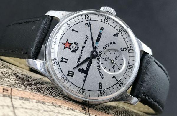 レトロな旧ソ連製 アンティーク☆ミリタリー☆ヴィンテージ 手巻き メンズ腕時計