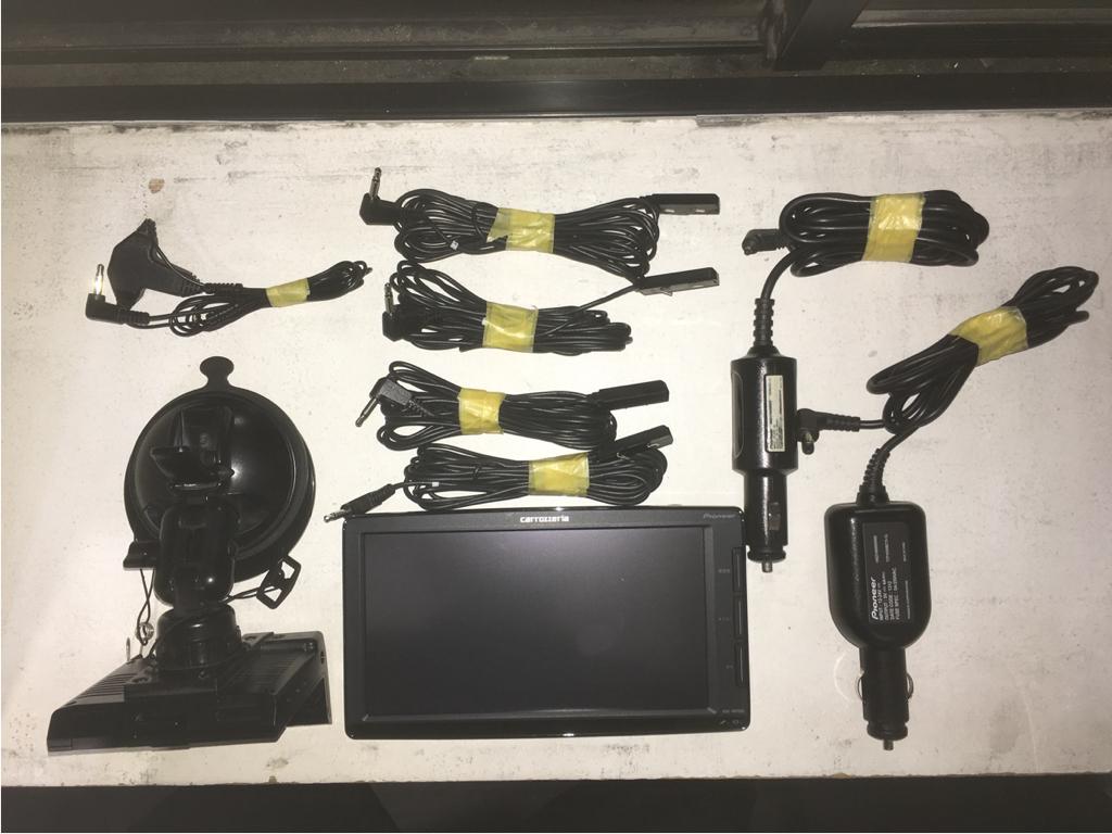 カロッツェリア MRP-009 フルセグポータブルナビ 持ち運び用電源ケーブル付き_画像2