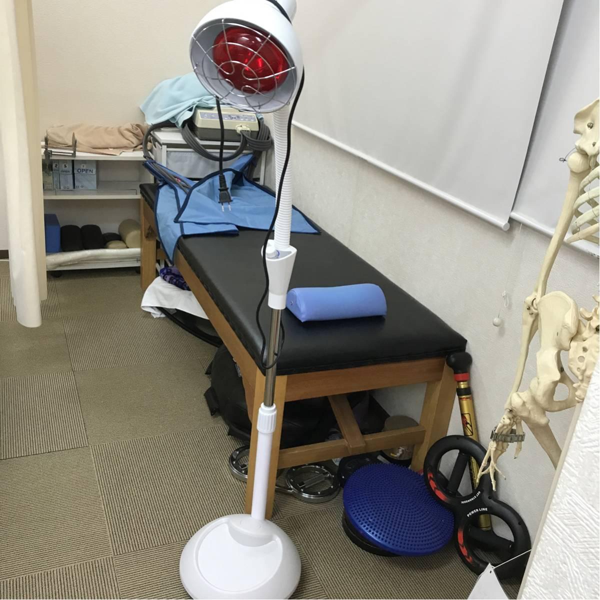 赤外線ライト ランプ 最高出力220w 新品 整体 整骨院 鍼灸 カイロプラクティック_画像1