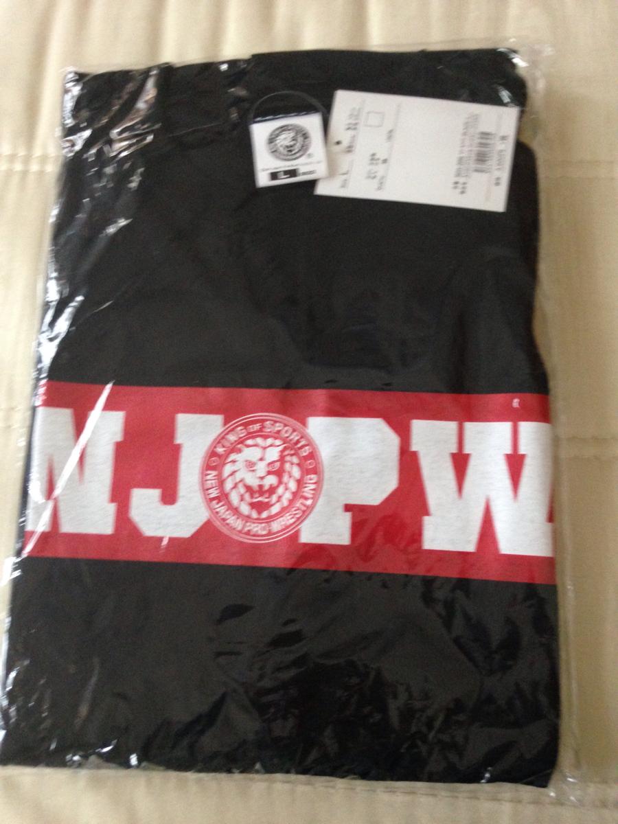 新日本プロレスの長袖Tシャツ新品! グッズの画像