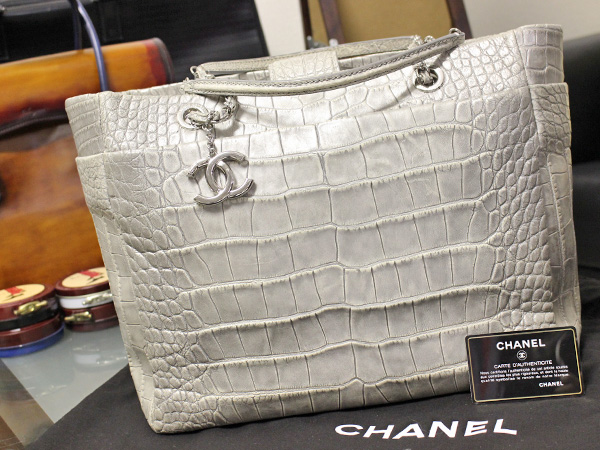 極上品 CHANEL シーズナル2014コレクション 最高級目地染マットクロコダイルレザーショッ