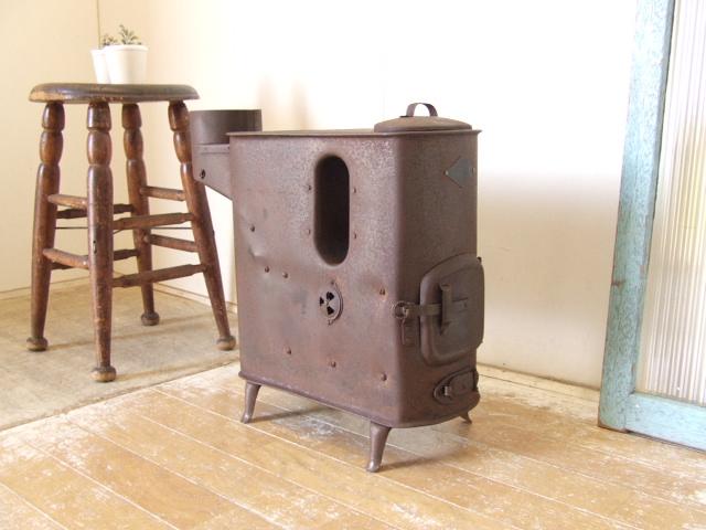 古いストーブ① オガタン オガ炭 石炭 木炭 薪 コークス アンティーク ビンテージ レトロ 送料無料