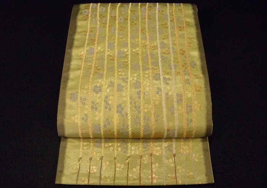 【帯喜楽】た2●袋帯●美品●箔地に綱縦縞に桜散し_美しい箔の袋帯です