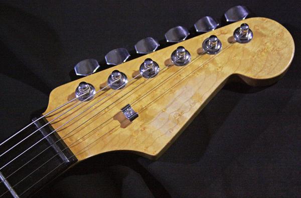 【ESP?】Stratocaster 良質バーズアイ・メイプル・ネック/エボニー指板/2TSアルダーボディ_画像2