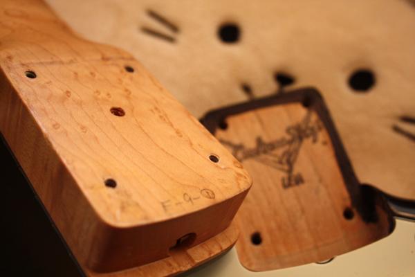 【ESP?】Stratocaster 良質バーズアイ・メイプル・ネック/エボニー指板/2TSアルダーボディ_画像3