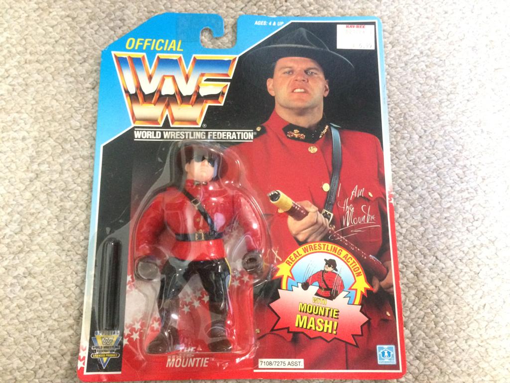 HASBRO社 WWE(WWF)スーパースターフィギュア マウンティ グッズの画像