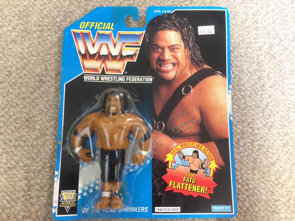 HASBRO社 WWE(WWF)スーパースターフィギュア ファトゥー グッズの画像