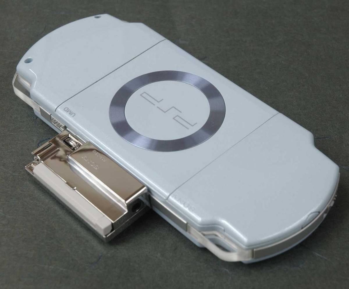 ■ SONY PSP-2000 バージョン4.04 512MBメモリ/ワンセグチューナー付 ■_画像3