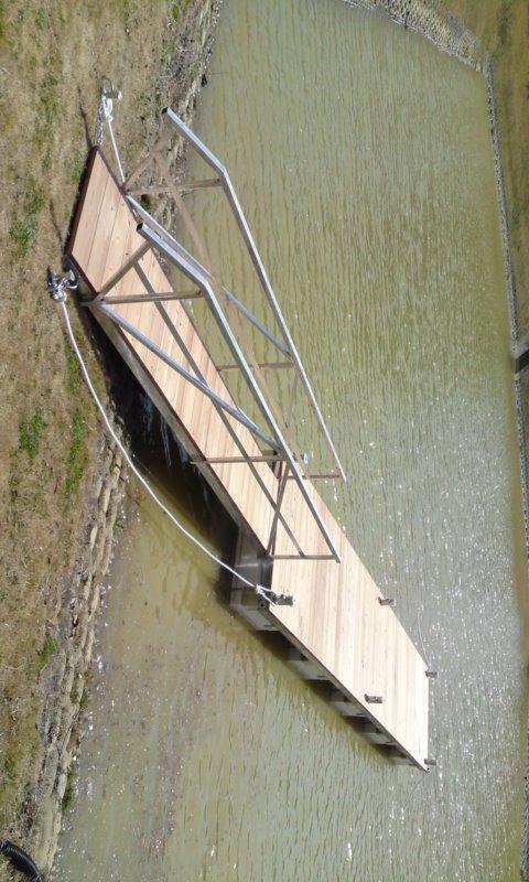 「浮桟橋 【検 クルーザー ボート ヨット ポンツーン】 浮き桟橋」の画像1