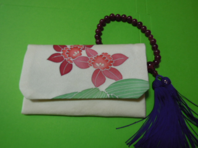 for women beads inserting * cream color ground . Cattleya floral print * silk ground * handmade!