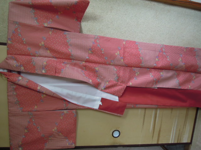 peace old cloth raw materials *.... red . pink color color series * pretty . floral print *... kimono *. woven!