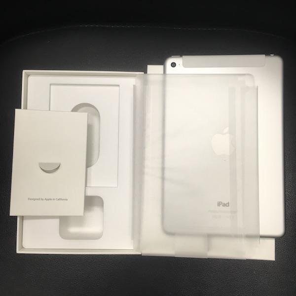 ◆ 中古 美品 iPad mini 4 docomo Wi-Fi +Cellular シルバー 16GB ドコモ 箱つき_画像10