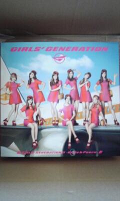新品同様 少女時代 2nd 豪華初回限定盤(CD+DVD+GOODS) 日本国内正規品 2ndアルバム Girls&Peace