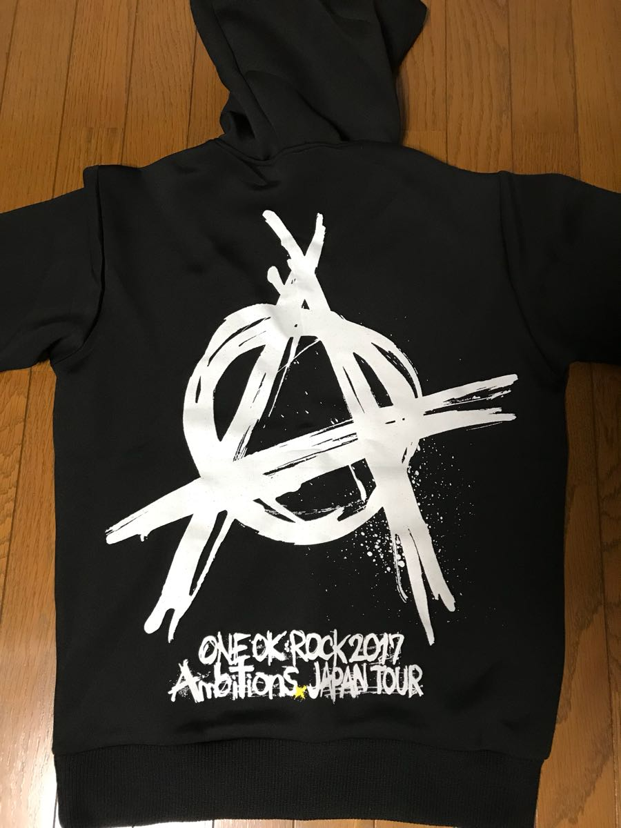 ONE OK ROCK パーカー L