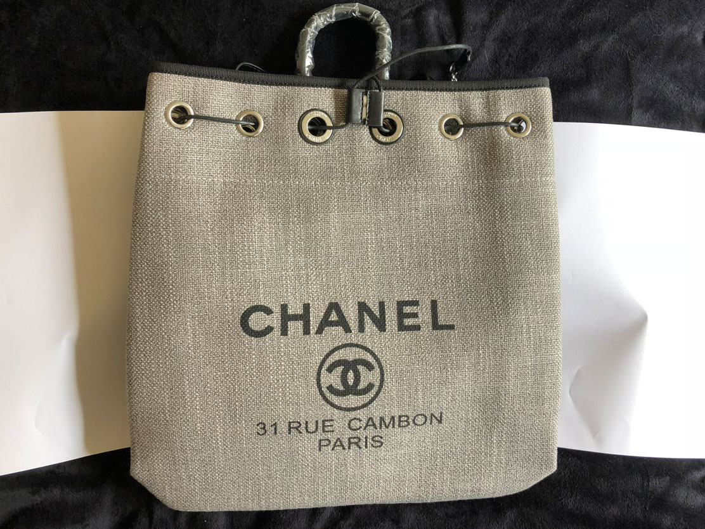 CHANEL シャネル リュック パリ/欧州で流行中 パリの元デザイナーに「有償サンプル」で買い付け依頼品 上端有効幅約330mm