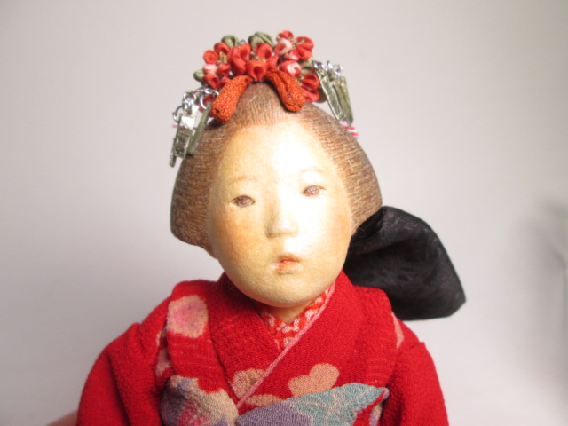 ☆佐野景子作 桐塑紙貼 三つ折れ人形 共箱 創作衣装人形_画像2