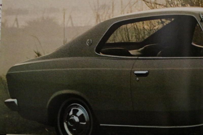 初代 日産 ローレル C30 旧車カタログ K888 珍しい構成のカタログです 7B17_画像10