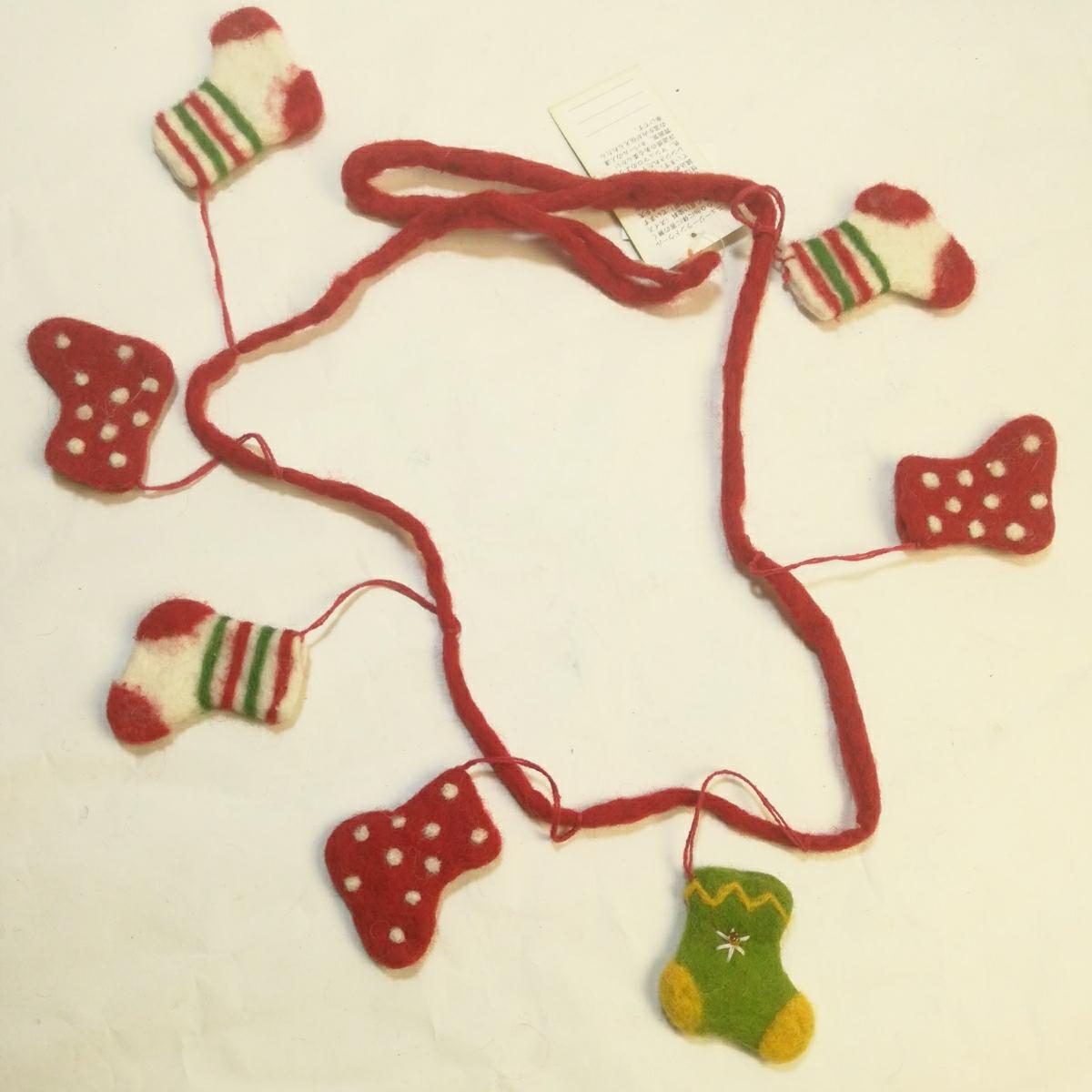新品ハンドメイド フエルト100%クリスマスオーナメントハンギング メリーMERRY CHRISTMAS 長さ100ソックス6cmツリープレゼント値下げセール_画像1