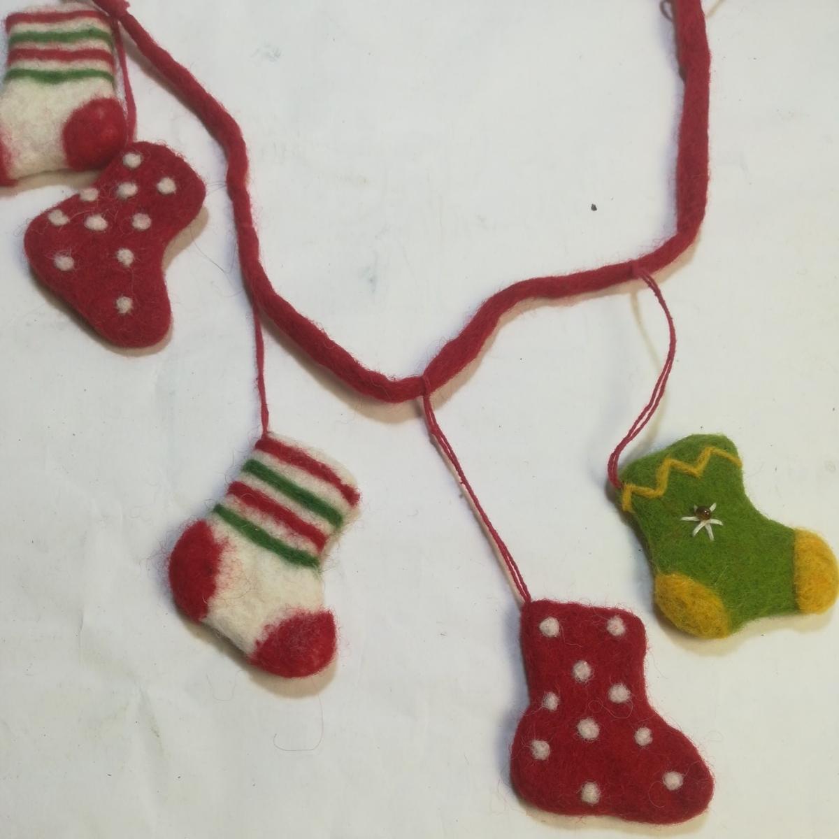 新品ハンドメイド フエルト100%クリスマスオーナメントハンギング メリーMERRY CHRISTMAS 長さ100ソックス6cmツリープレゼント値下げセール_画像6