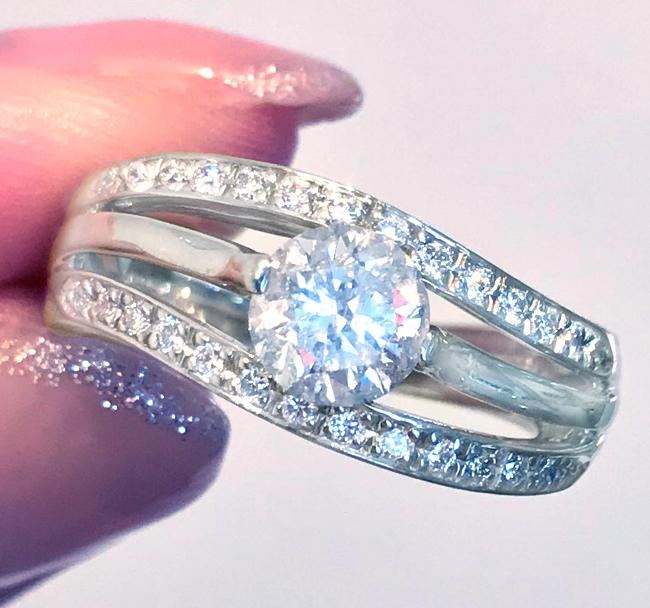 《DIAMOND 1ctUP!! 》PT900 ダイヤ リング ダイヤモンド リング 圧巻の1キャラ。