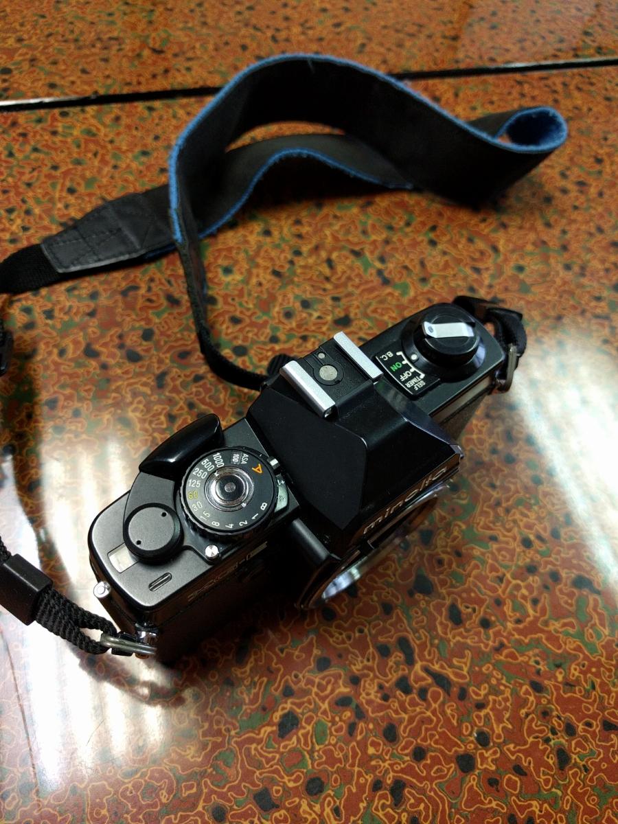 ○MINOLTA ミノルタ XG-E カメラ+シグマ 100-200mm 1:4.5 レンズ (MB-43)_画像3