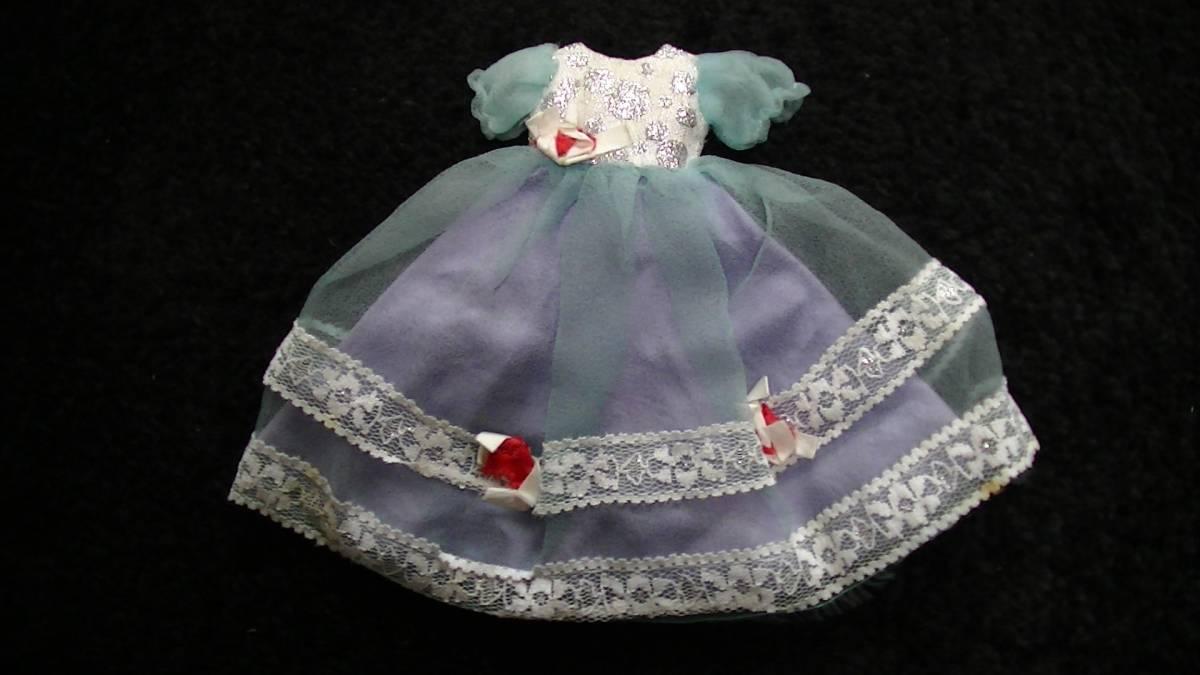 レトロ 初代リカちゃんの衣装 ドレス 水色の世界 ロッテ ペンダント_画像4