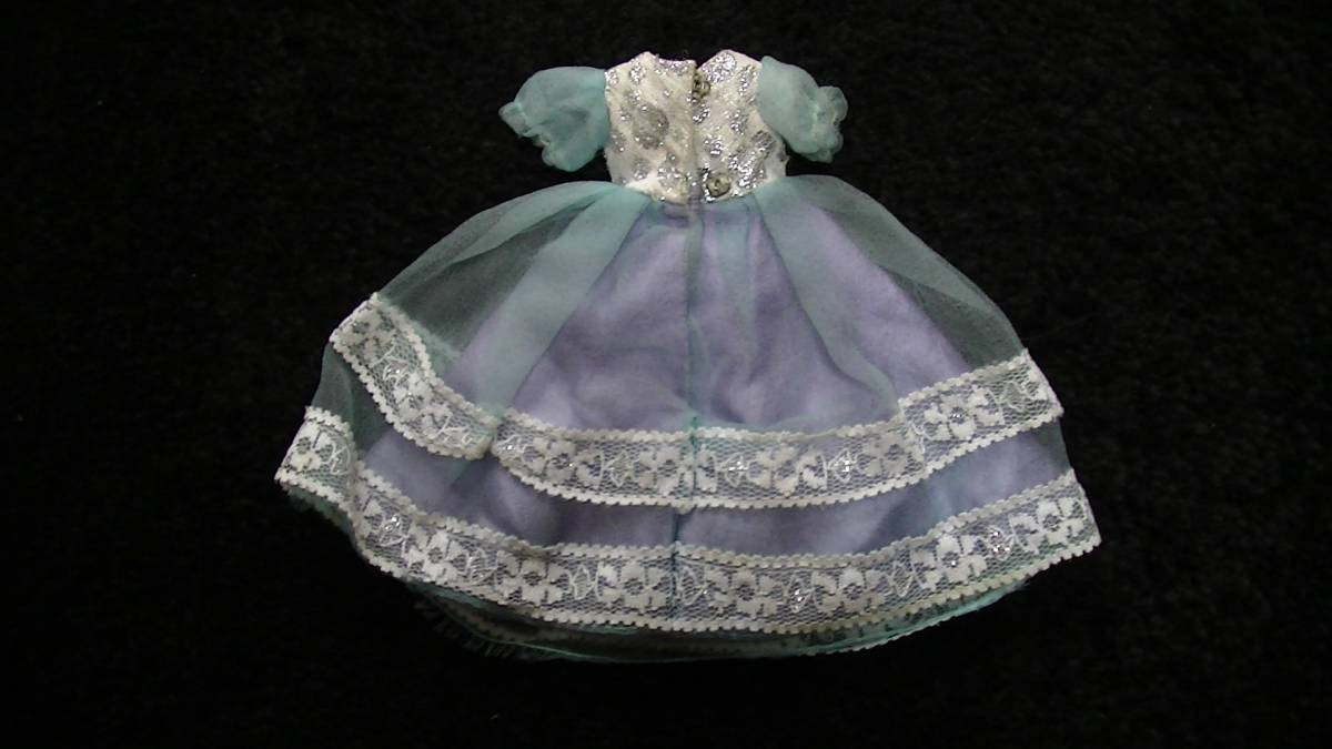 レトロ 初代リカちゃんの衣装 ドレス 水色の世界 ロッテ ペンダント_画像7