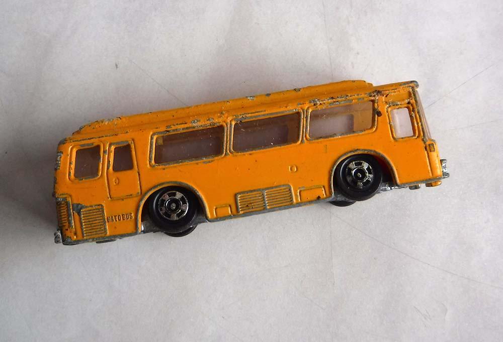 tomicaFUSO HATO BUSトミカ日本製バス自動車ミニカー昭和レトロ玩具ジャンク中古ですがいい感じです。_画像1